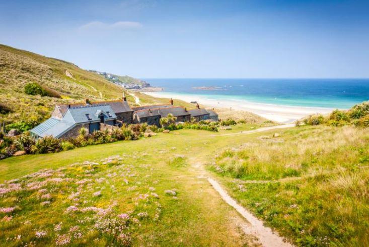 Book-Easter-Break-Cornwall
