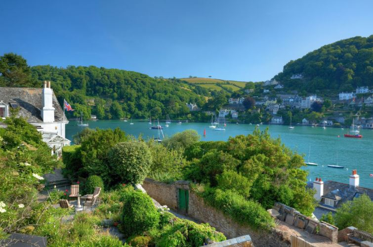 Easter-Holidays-in-Devon-County