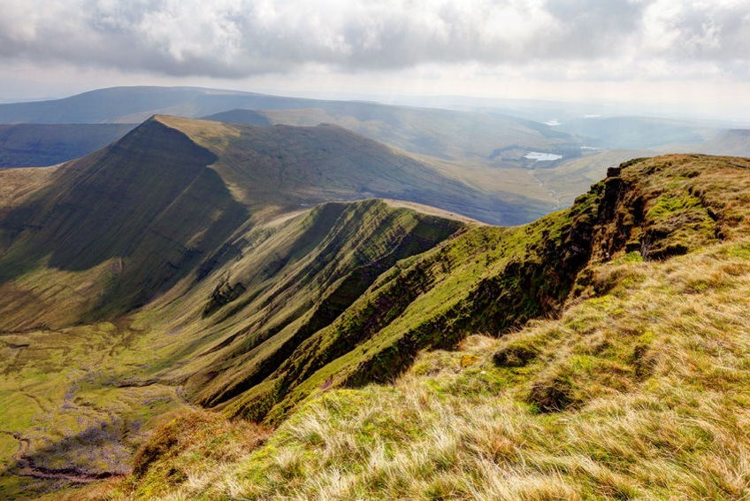 Hiking-Holiday-Destinations-Brecon-Beacons-National-Park-UK