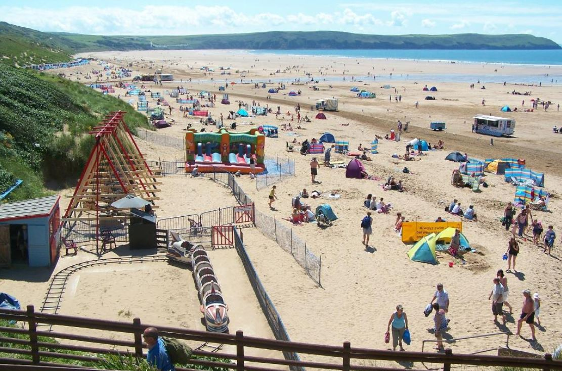 Dog-Friendly-Holiday-Destinations-Woolacombe-Devon-UK