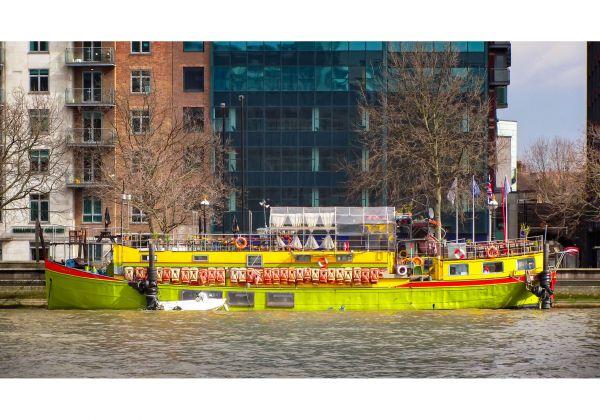 Tamesis Dock – Pub on a boat
