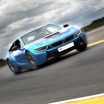 BMW i8 Driving Thrill