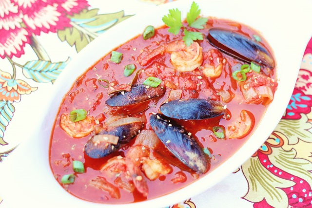 Cacciucco - Tuscan Seafood Stew - Sophistishe